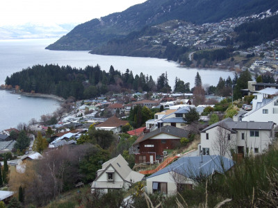 queenstown housing