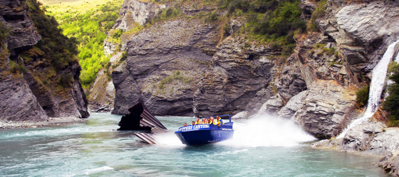 skippers canyon jet boat ride gold mining