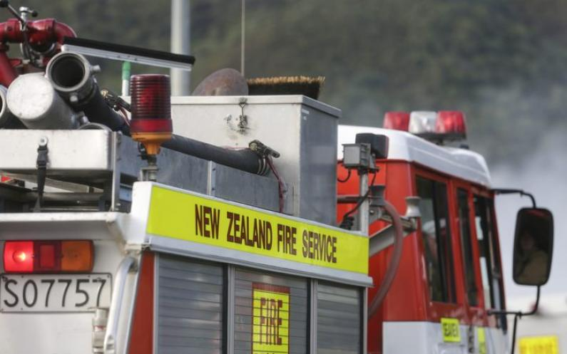 eight_col_Fire-Petone14